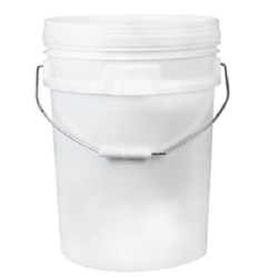 Bucket, 20L, white plastic with metal/plastic handle and lid
